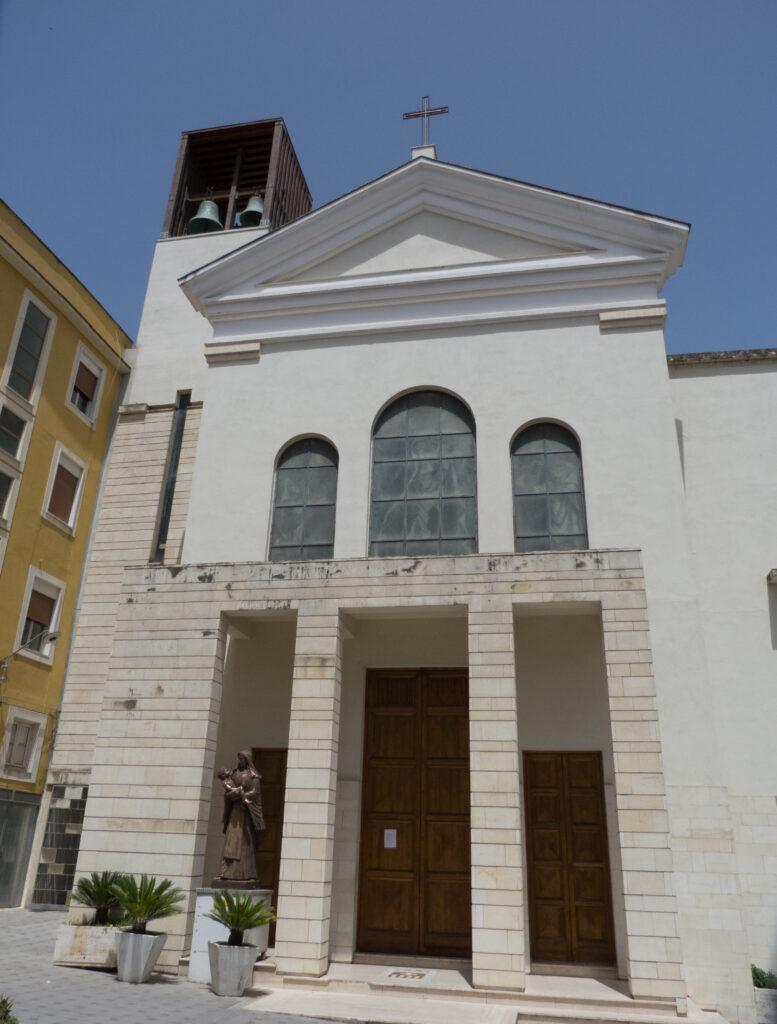 Radio Amore trasmette dal Convento dei Padri Mercedari di San Cataldo, annesso al Santuario Santa Maria delle Grazie